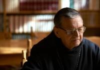 Affligem-Abbey-Monk-Reading_e